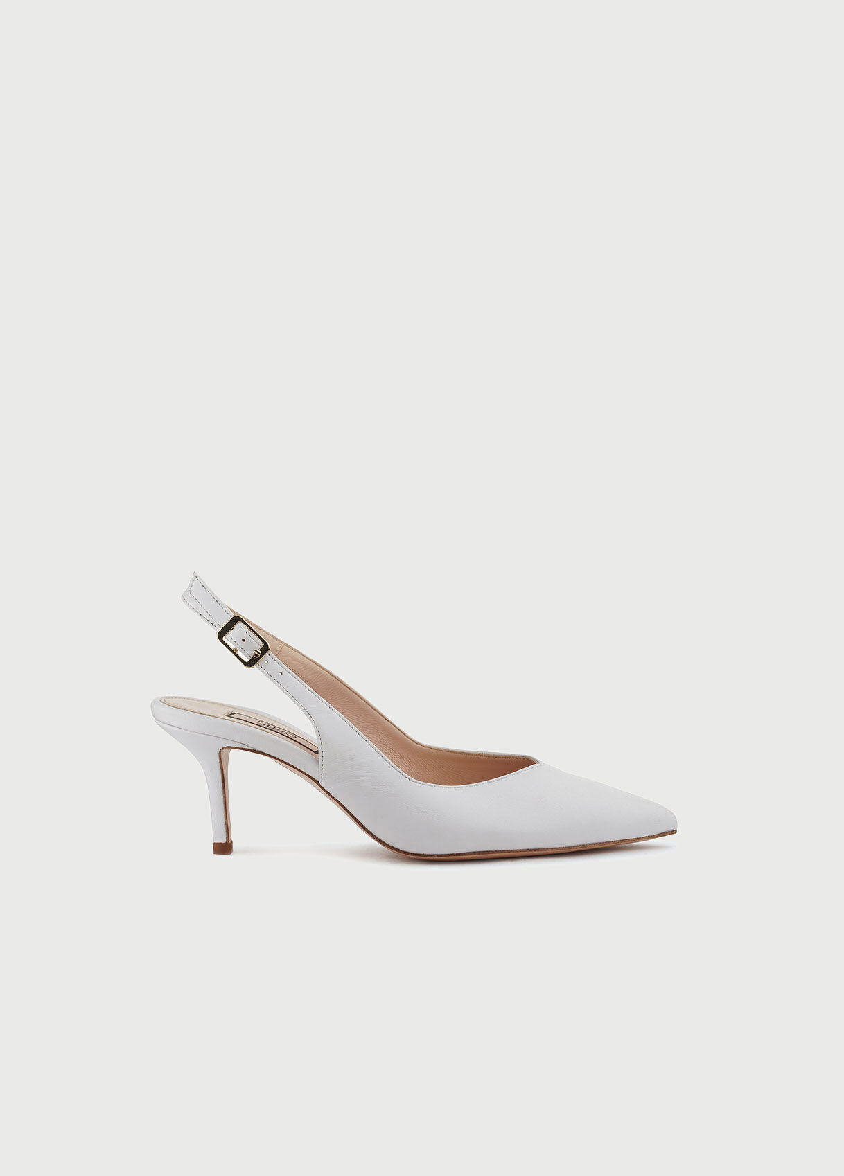 Leather court shoe with low heel.