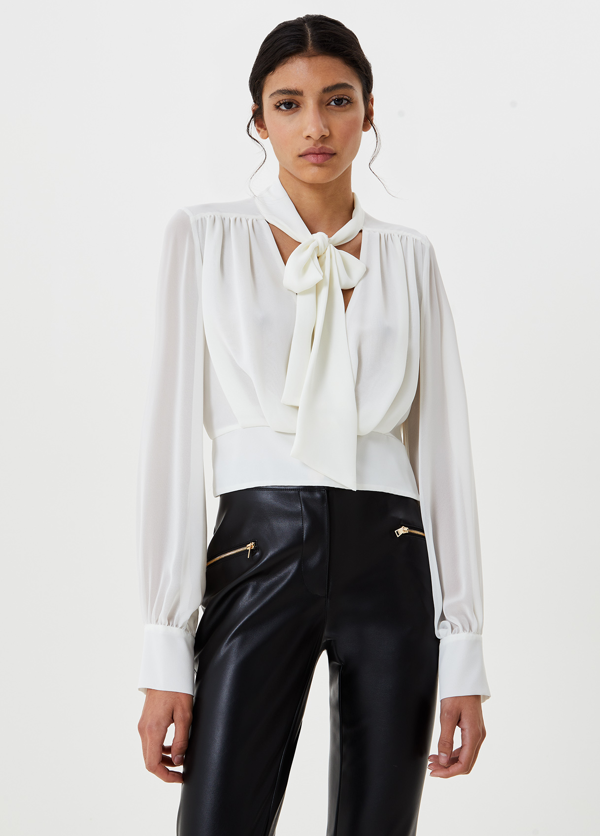 Blusa con fiocco-X0256-liujo-large